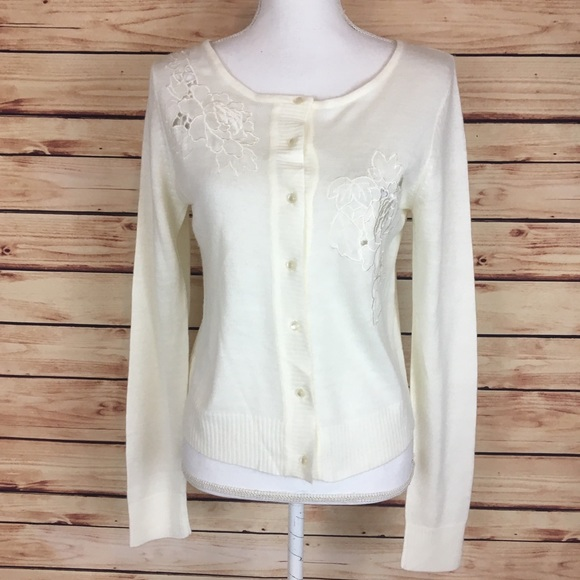 ba57f74797 Urban Outfitters Cream Button Up Cardigan Medium